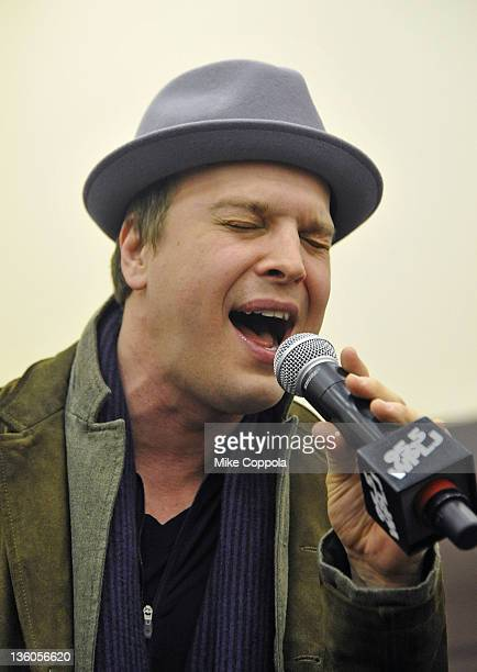 Musicians Gavin DeGraw performs at 'PLJ's 20th Annual Scott & Todd's Live broadcast/auction at Blythedale Children's Hospital on December 21, 2011 in...
