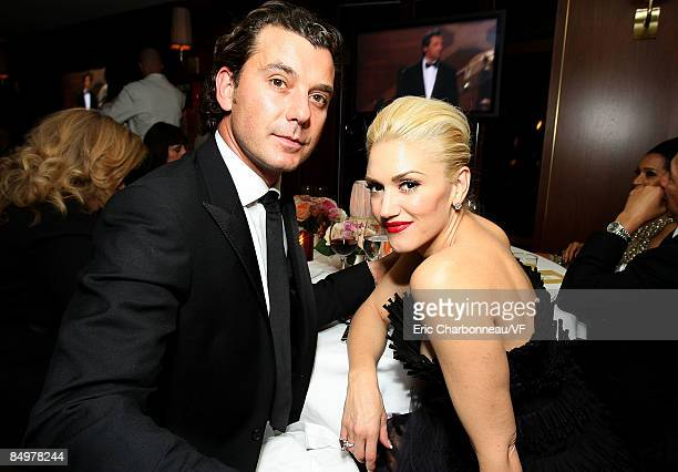 Musicians Gavin Rossdale and Gwen Stefani attend the 2009 Vanity Fair Oscar party hosted by Graydon Carter at the Sunset Tower Hotel on February 22...