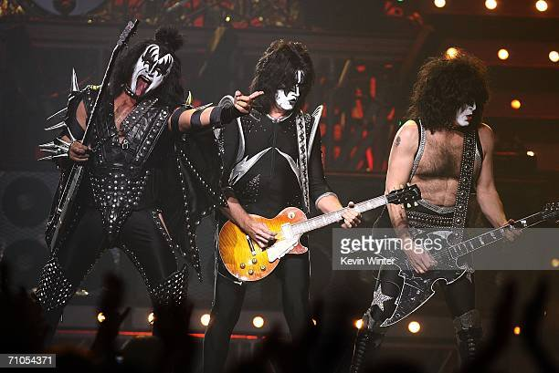Musicians Gene Simmons Tommy Thayer and Paul Stanley of Kiss perform during the VH1 Rock Honors at the Mandalay Bay Events Center on May 25 2006 in...