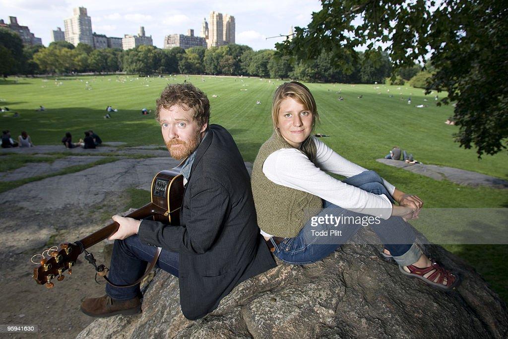 Glen Hansard and Marketa Irglova, USA Today, January 12, 2010 : News Photo