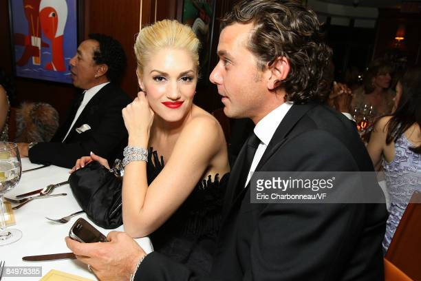 Musicians Gwen Stefani and Gavin Rossdale attend the 2009 Vanity Fair Oscar party hosted by Graydon Carter at the Sunset Tower Hotel on February 22...