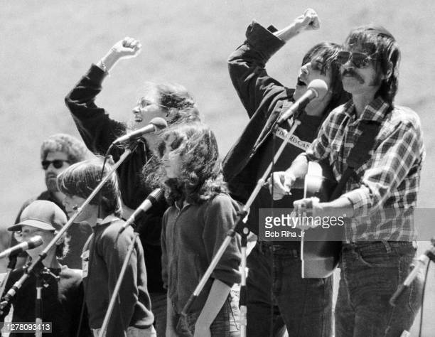 Musicians Jackson Browne and Jesse Colin Young perform on stage at Diablo Canyon anti-nuclear protest, June 30, 1979 in San Luis Obispo, California.