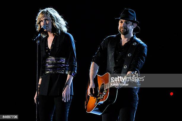 Musicians Jennifer Nettles and Kristian Bush of Sugarland perform during the 51st Annual Grammy Awards held at the Staples Center on February 8, 2009...