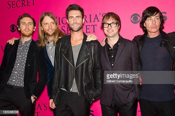 Musicians Jesse Carmichael James Valentine Adam Levine Mickey Madden and Matt Flynn of the group Maroon 5 attend the 2011 Victoria's Secret Fashion...