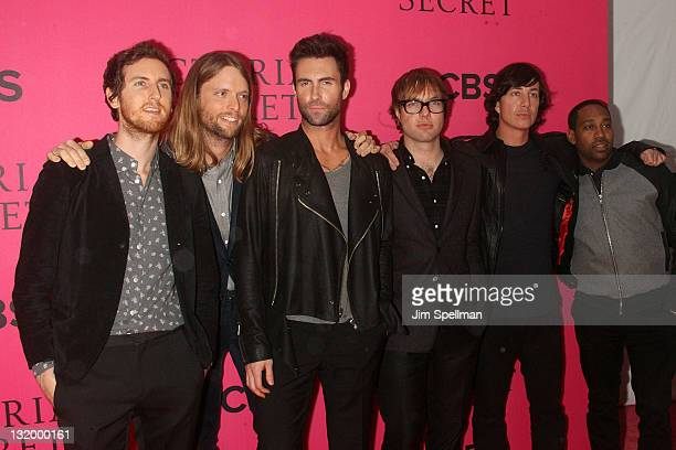 Musicians Jesse CarmichaelJames Valentine Adam Levine Mickey Madden Matt Flynn and PJ Morton of the group Maroon 5 attend the 2011 Victoria's Secret...