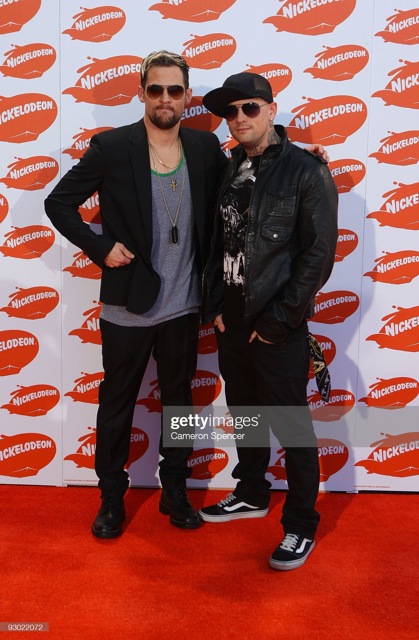 ¿Cuánto mide Benji Madden? - Altura - Real height Musicians-joel-and-benji-madden-of-good-charlotte-arrive-for-the-picture-id93022072?s=2048x2048
