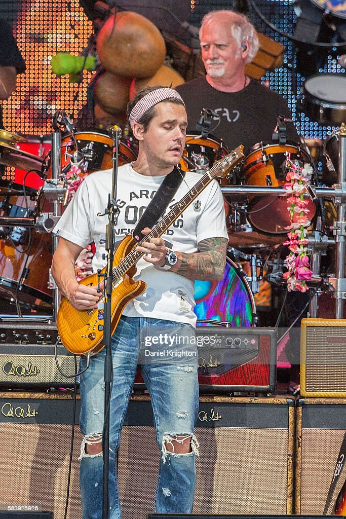Musicians John Mayer (L) and Bill Kreutzmann of Dead & Company perform on stage at Sleep Train Amphitheatre on July 27, 2016 in Chula Vista, California.