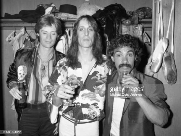 """Musicians John Oates , Daryl Hall and Todd Rundgren backstage at the Roxy Theatre in 1978 for the recording of the live album """"Back To The Bars"""" in..."""