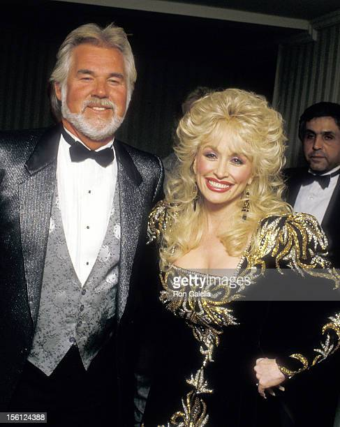 Musicians Kenny Rogers and Dolly Parton attend The RP Foundation Fighting Blindness Humanitarian Award Dinner Honoring Frank Bennack Jr on April 19...