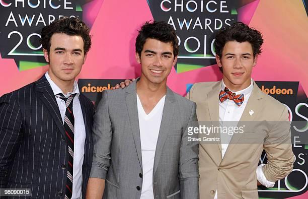 Musicians Kevin Jonas, Joe Jonas and Nick Jonas of the Jonas Brothers arrives at Nickelodeon's 23rd Annual Kids' Choice Awards held at UCLA's Pauley...
