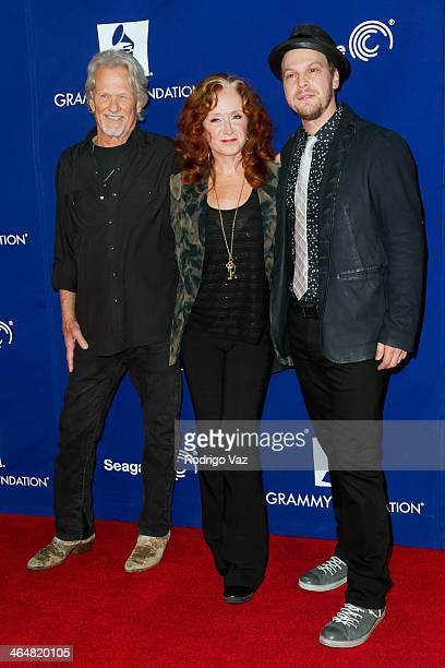 Musicians Kris Kristofferson Bonnie Rait and Gavin DeGraw attend A Song Is Born 16th Annual GRAMMY Foundation Legacy Concert Arrivals at The Wilshire...