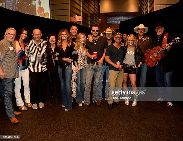 Musicians Martina McBride Faith Hill Vince Gill Sheryl Crow Eric Church Jason Aldean Kenny Chesney Miranda Lambert Alan Jackson and Ray Benson...