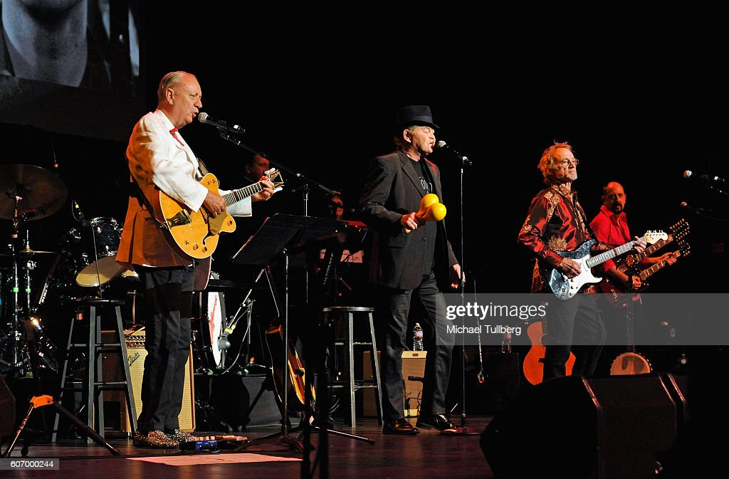 The Monkee's Perform At Hollywood Pantages : News Photo