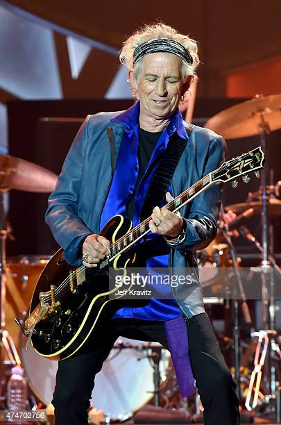 Musicians Mick Jagger and Keith Richards of The Rolling Stones performs onstage during their ZIP CODE tour at Petco Park on May 24 2015 in San Diego...