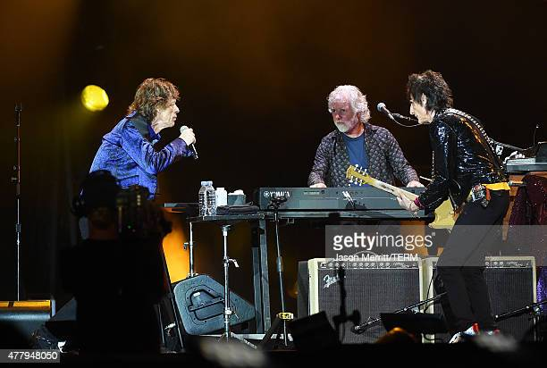 Musicians Mick Jagger Ronnie Wood Kieth Richards and Charlie Watts of The Rolling Stones perform at Heinz Field on June 20 2015 in Pittsburgh...