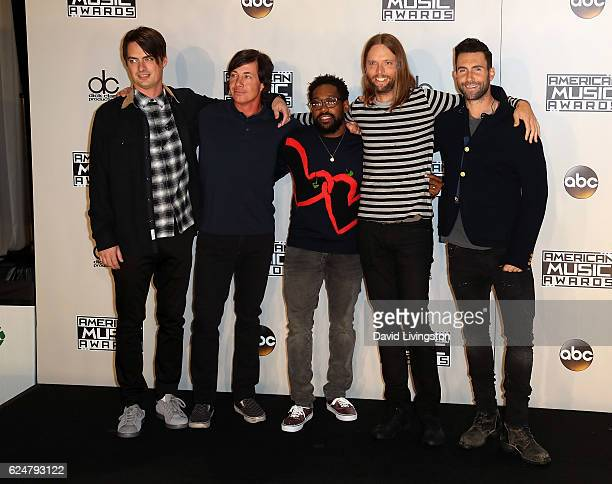 Musicians Mickey Madden Matt Flynn PJ Morton James Valentine and Adam Levine of Maroon 5 pose in the press room at the 2016 American Music Awards at...