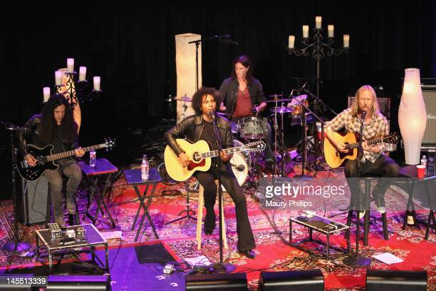 Musicians Mike Inez William DuVall Sean Kinney and Jerry Cantrell of Alice In Chains perform onstage during the 8th Annual MusiCares MAP Fund Benefit...