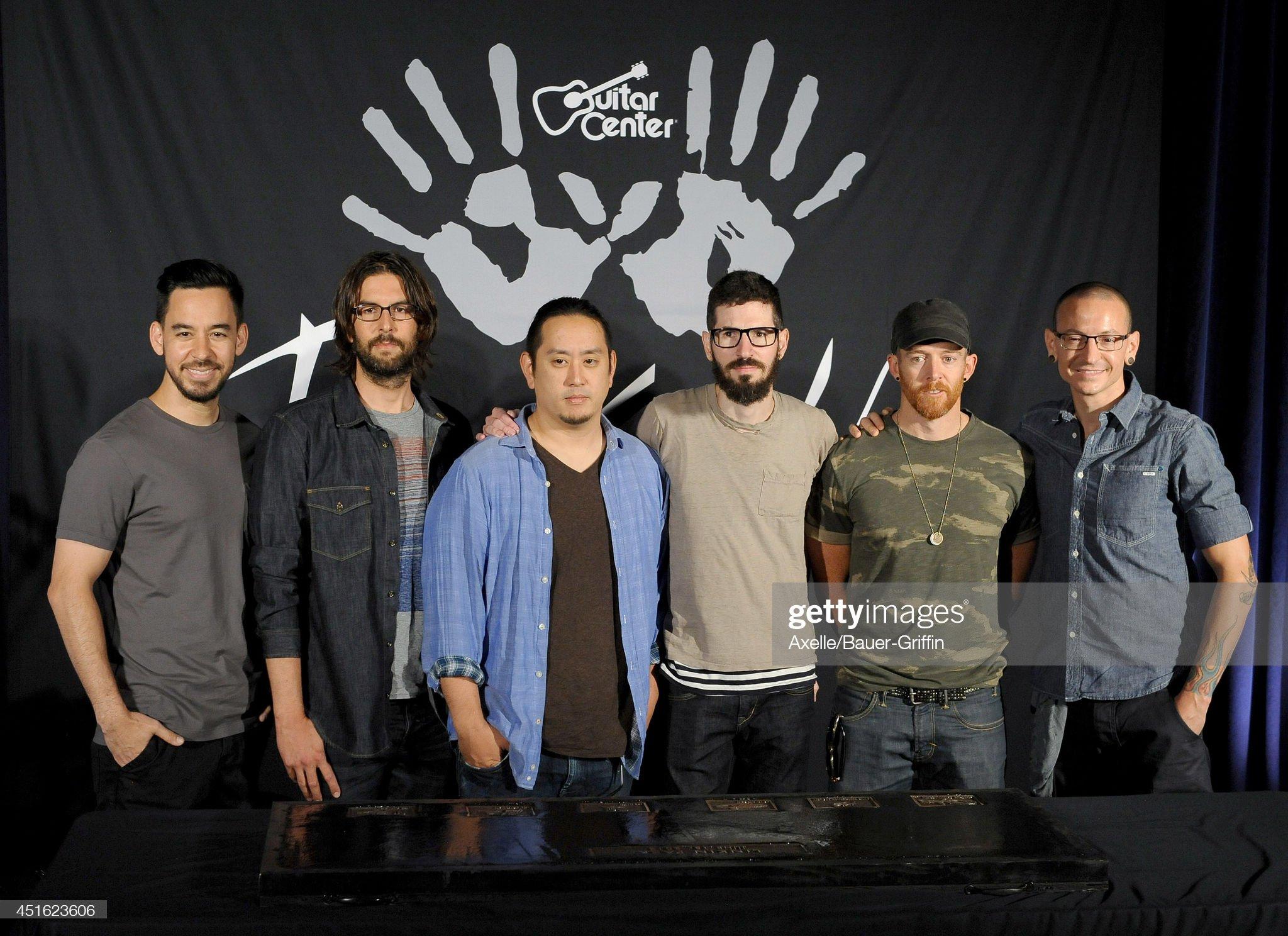 ¿Cuánto mide Chester Bennington? - Altura - Real height Musicians-mike-shinoda-rob-bourdon-joe-hahn-brad-delson-dave-phoenix-picture-id451623606?s=2048x2048