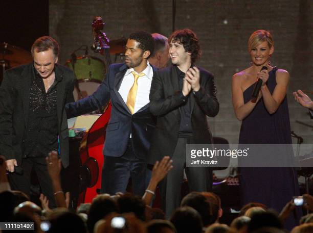 Musicians Neil Diamond Eric Benet Josh Groban and Faith Hill perform at the 2009 MusiCares Person of the Year Tribute to Neil Diamond at the Los...