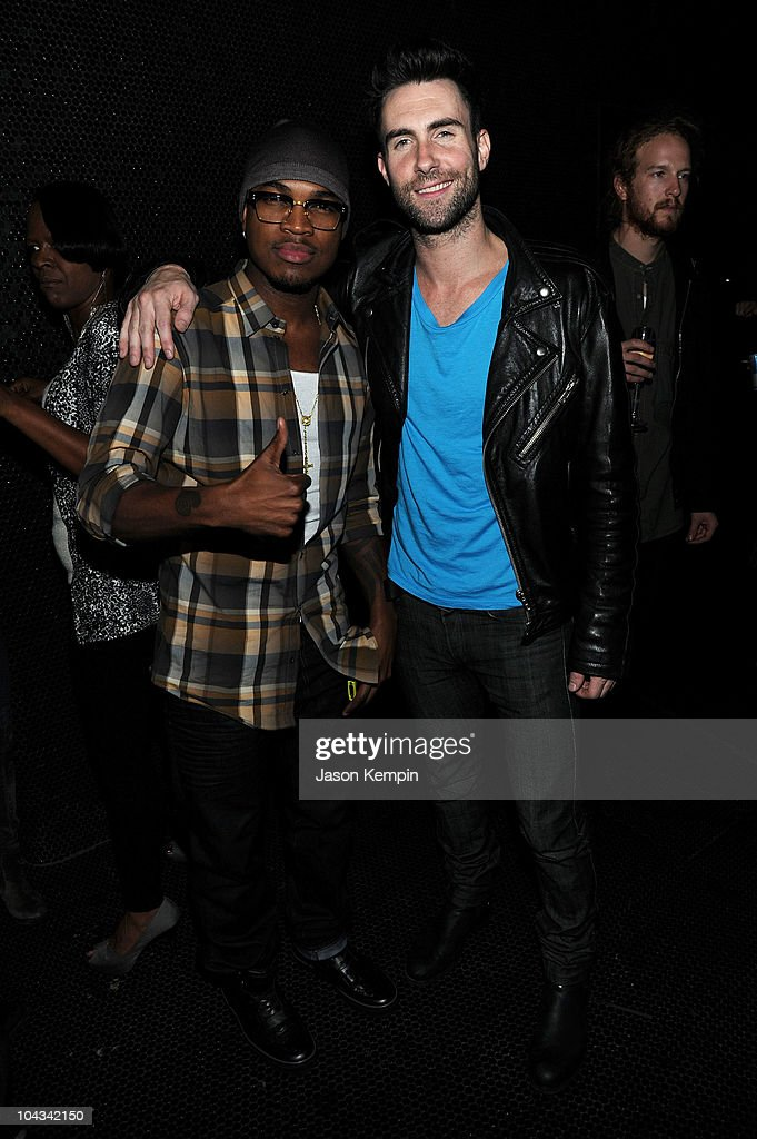"Maroon 5's ""Hands All Over"" Album Release Party : News Photo"