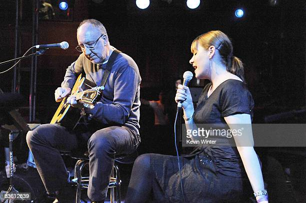 Musicians Pete Townshend and Rachel Fuller perform at Rachel Fuller's In The Attic presented by Best Buy at the Troubador on November 7 2008 in West...