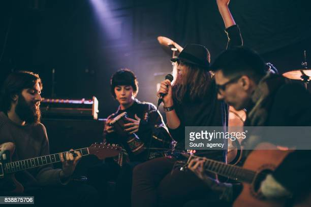 musicians playing - rehearsal stock pictures, royalty-free photos & images