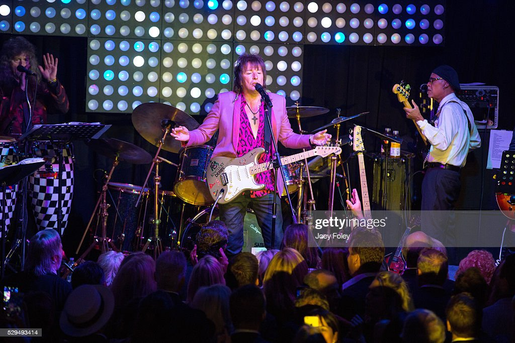 Musicians Richie Sambora (C) performs onstage inside the Barnstable Brown Kentucky Derby Eve Gala on May 06, 2016 in Louisville, Kentucky.