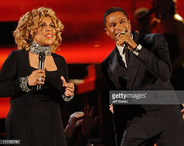Musicians Roberta Flack and Maxwell perform onstage during the 52nd Annual GRAMMY Awards held at Staples Center on January 31 2010 in Los Angeles...