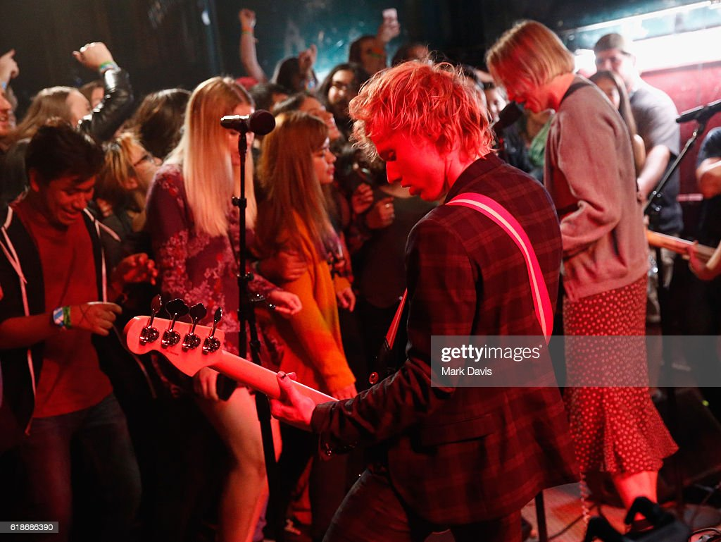 Musicians Sebastian Mueller (L) and Cole Becker of SWMRS perform onstage at MTV's 'Wonderland' LIVE Show on October 27, 2016 in Los Angeles, California.