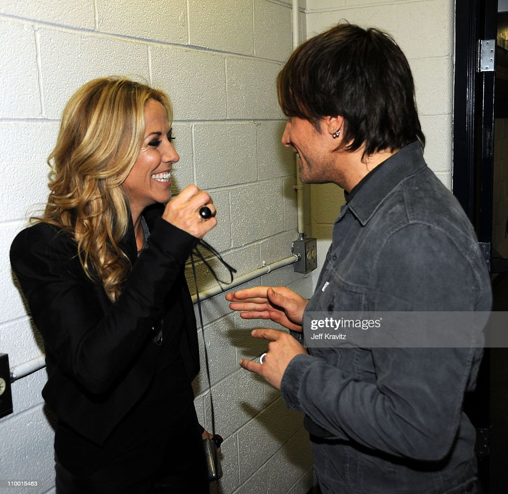 Musicians Sheryl Crow and Keith Urban attend the 2009 CMT Music Awards at the Sommet Center on June 16, 2009 in Nashville, Tennessee.