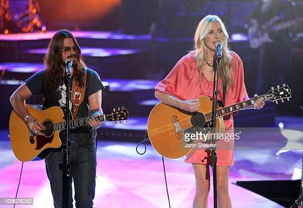 Musicians Shooter Jennings and Holly Williams perform during CMT Giants honoring Hank Williams Jr at the Gibson Amphitheatre on October 25 2007 in...
