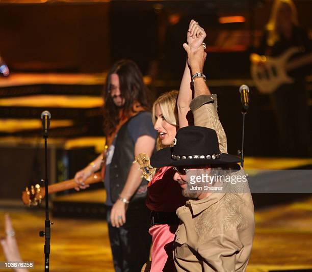 Musicians Shooter Jennings Holly Williams and Hank Williams Jr on stage during CMT Giants honoring Hank Williams Jr at the Gibson Amphitheatre on...