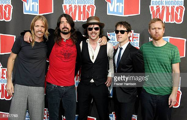 Musicians Taylor HawkinsDave Grohl Gaz Coombes of the band Supergrass Nate Mendel and Chris Shiflett of Foo Fighters arrive at the 3rd Annual VH1...