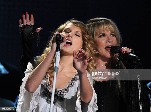 Musicians Taylor Swift and Stevie Nicks perform onstage during the 52nd Annual GRAMMY Awards held at Staples Center on January 31 2010 in Los Angeles...