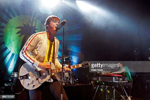 Musicians Tom Chaplin and Tim RiceOxley of Keane perform on stage to celebrate 50 years of Island Records at Shepherds Bush Empire on May 30 2009 in...