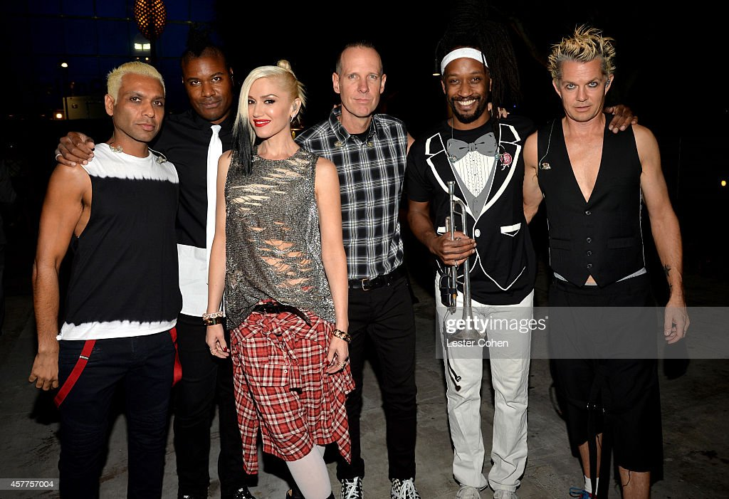 Musicians Tony Kanal, Gabrial McNair, Gwen Stefani, Tom Dumont, Stephen Bradley and Adrian Young of No Doubt attend the City of Hope Spirit of Life Gala honoring Apple's Eddy Cue at the Pacific Design Center on October 23, 2014 in West Hollywood, California.