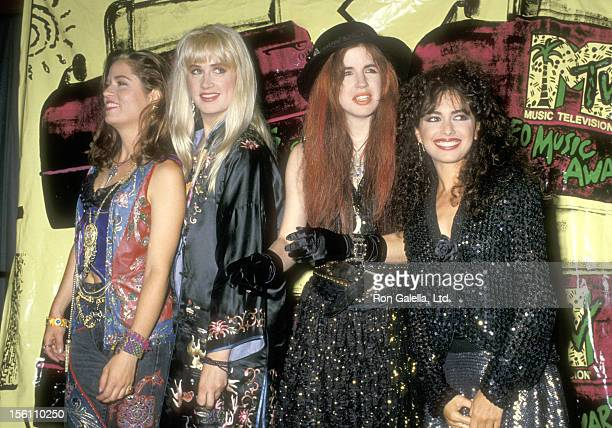 Musicians Vicki Peterson Debbi Peterson Michael Steele and Susanna Hoffs of The Bangles attend the Fifth Annual MTV Video Music Awards on September 7...