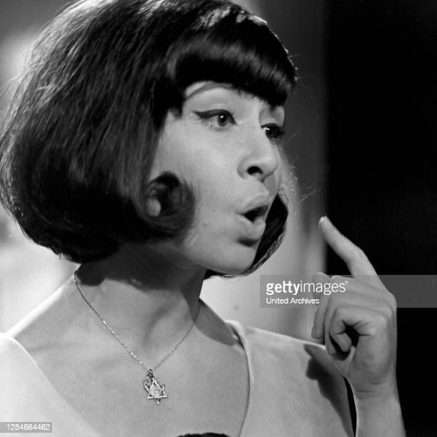 Musik aus Studio B Musiksendung Deutschland 1960er Jahre Gaststar die britische Sängerin Helen Shapiro