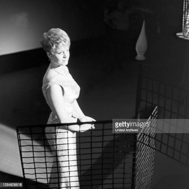 Musik aus Studio B, Musiksendung, Deutschland 1962, Gaststar: Gitta Lind .