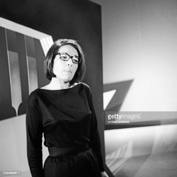 Musik aus Studio B, Musiksendung, Deutschland 1966, Gaststar: Nana Mouskouri.