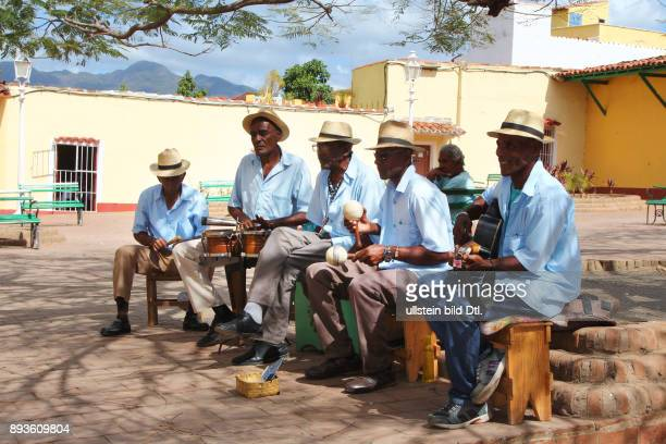 Musiker auf dem Plazuela del Cristo Trinidad ist eine Stadt in der Provinz Sancti Spíritus / Hotel Club Amigo Costa Sur Kuba Cuba Urlaub Republica de...