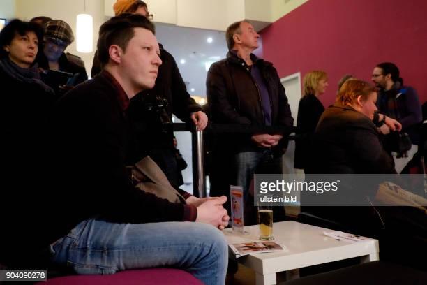 Musiker Konstantin Gropper während des RadioEins Berlinale Nighttalk aus der XXLounge anlässlich der 67 Berlinale