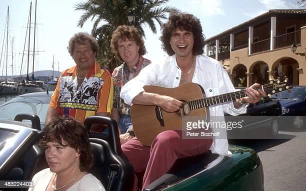 Musikgruppe 'Die Flippers' Manfred Durban Bernd Hengst Olaf Malolepski mit Sonja Malolepski 1 ZDFTVSpecial 'Die Flippers auf Mallorca' zum 25jährigen...