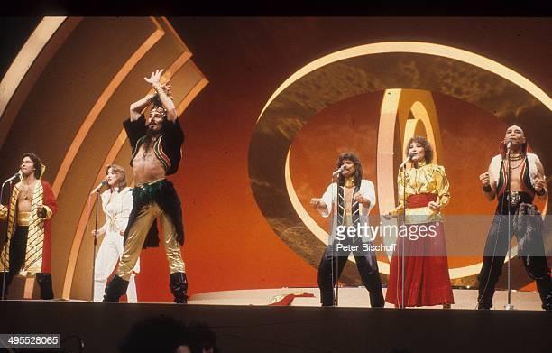 Musikgruppe Dschingis Khan mit Wolfgang Heichel Ehefrau Henriette Heichel Louis Potgieter Leslie Mandoki Edina Pop Steve Bender Auftritt beim Grand...
