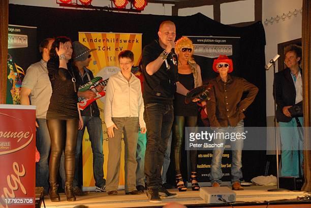 Musikgruppe Ullis Gang mit Christin Stark beim Auftritt BenefizMusikshow Hilfe für Marvin Zugunsten einer Delfintherapie für Marvin Mysliwietz aus...