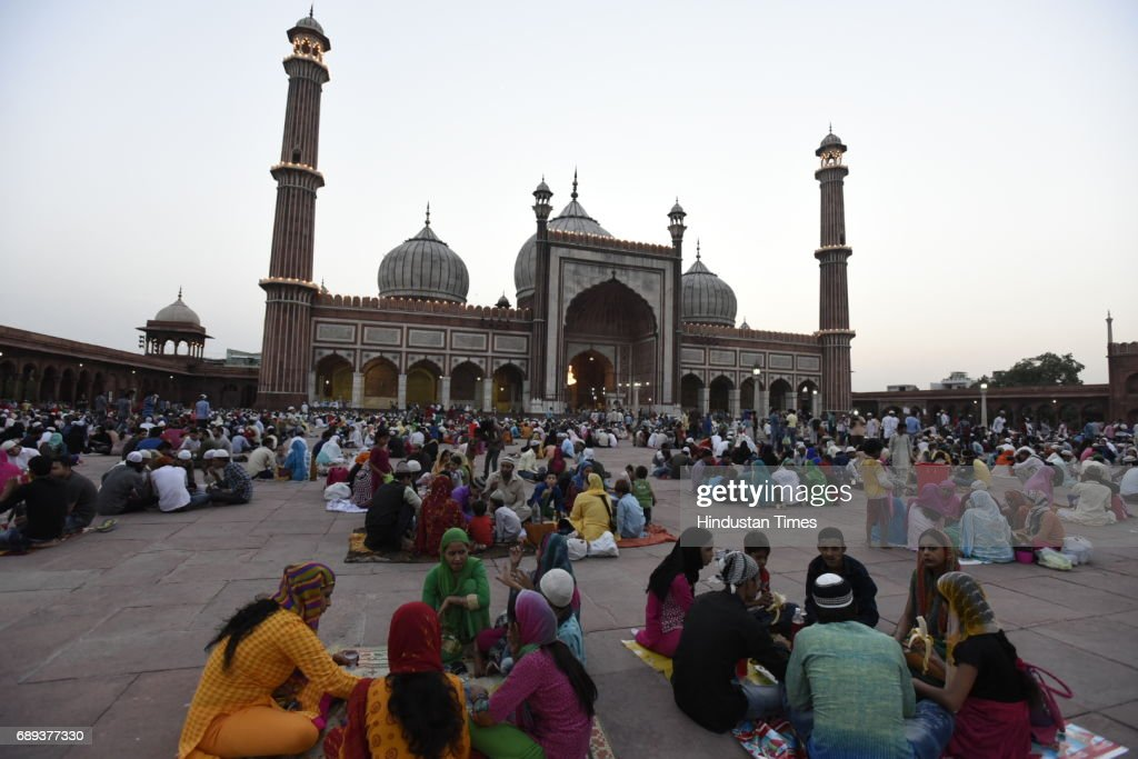 Indian Muslims Observe Ramadan : News Photo