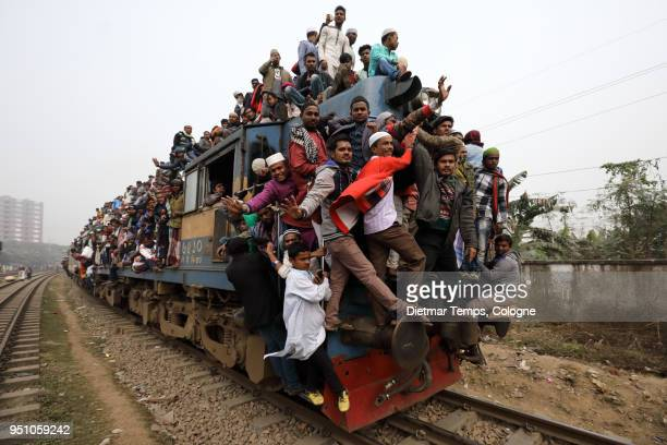 Muslim pilgrims return from the Bishwa Ijtema, Bangladesh