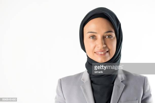 moslimvrouw - midden oosterse etniciteit stockfoto's en -beelden