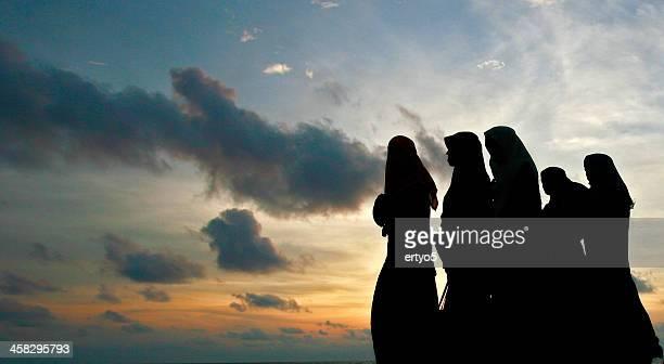 Femme musulmane en soirée