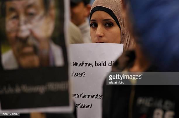 Muslime protestieren gegen den amerikanischen AntiIslamFilm Die Unschuld der Muslime in Berlin